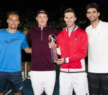 "TEAM GOLD WITH THE TROPHY   WORLD TENNIS CHALLENGE,  WAR MEMORIAL DRIVE, ADELAIDE,  EXHIBITION, TENNIS, EMIRATES AUSTRALIAN OPEN SERIES, MEN""S SINGLES, MEN'S DOUBLES, TENNIS AUSTRALIA  © TENNIS PHOTO NETWORK"